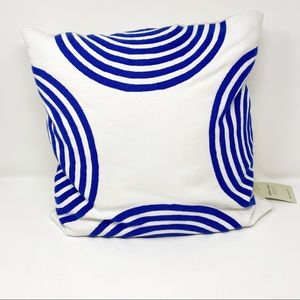 WEST ELM Blue and White Pillow Cover/Pillow NWT